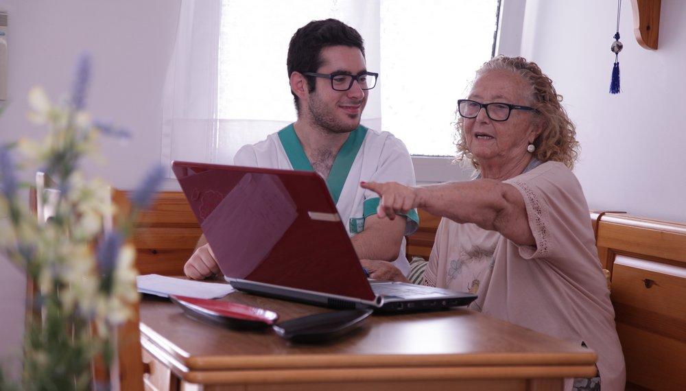 Atenció domiciliària a Barcelona - Accent Social