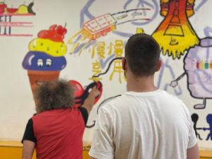 Projecte graffiti social per visibilitzar el sensellarisme